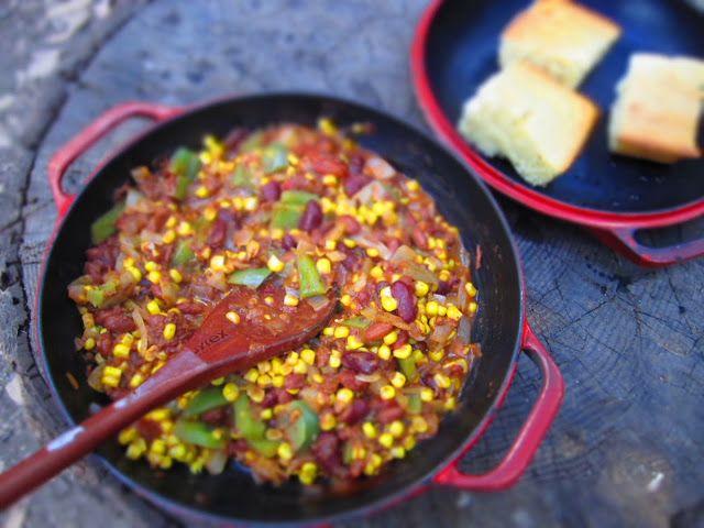 t o m a t o e s & t e q u i l a: Campfire Food - Chili & Corn Bread