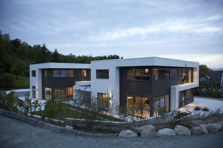 Tilpasset etter ønsker og behov! #urbanhus #funkis #hus #modern #contemporary #house #building