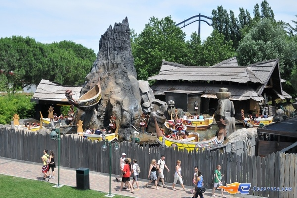 3/13 | Photo de l'attraction Raratonga située à Mirabilandia (Italie). Plus d'information sur notre site http://www.e-coasters.com !! Tous les meilleurs Parcs d'Attractions sur un seul site web !!