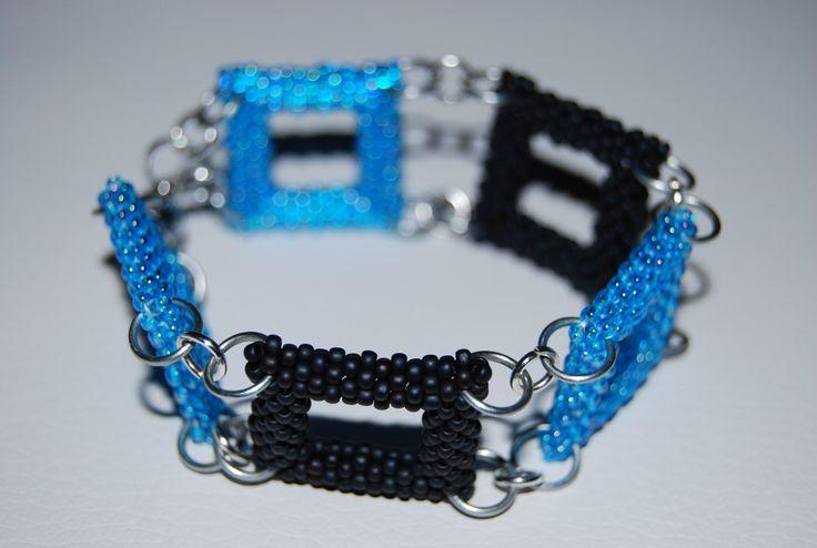Square Pattern Beaded Bracelet made with TOHO beads - handmade using the Peyote 3D technique by BeaduBeadu on Etsy