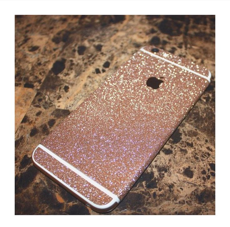 Because who doesn't like sparkly phone cases from velvet caviar