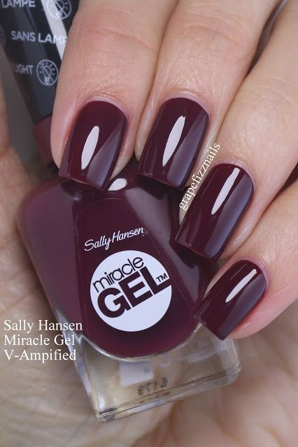SALLY HANSEN MIRACLE GEL V-Ampified is a deep burgundy cream, with a fabulous formula