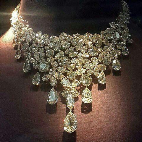 @yourfablife. #necklace #diamonds #diamondchoker