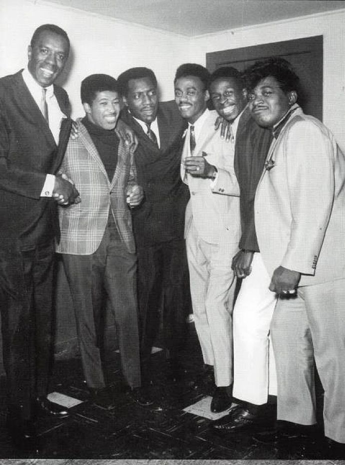 Left to right: Unknown, Ben E. King, Otis Redding, Johnnie Taylor, Arthur Conley & Percy Sledge