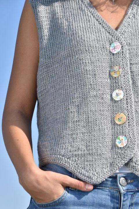 Vesta handmade | Cumpara online cu livrare nationala, din Bucuresti. Mai multe Imbracaminte in magazinul TheWoolTeller pe Breslo.
