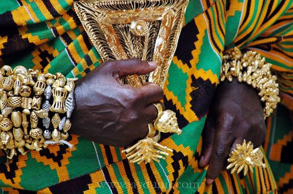 Africa | Ashanti gold beckons in the aftenooon light. Ghana, Accra, 2007 | © Jay Dunn