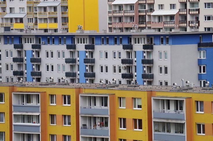 Investasi di bidang properti merupakan pilihan tepat bagi Anda yang ingin menambah pemasukan. Bagaimana tips membeli apartement?