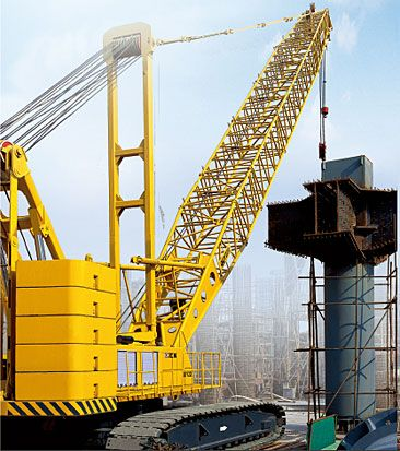 Crawler Crane: QUY250 Gradeability: 30% Max. travel speed: 1.0km/h Max. swing speed: 1.22r/min  For similar products visit: www.integramotors.co.za/ #heavystuff #IntegraGroup