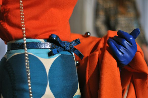 kate spade, NYFW fall/winter 2012. the bow, the gloves, the cobalt, the orange...love the whole vibe