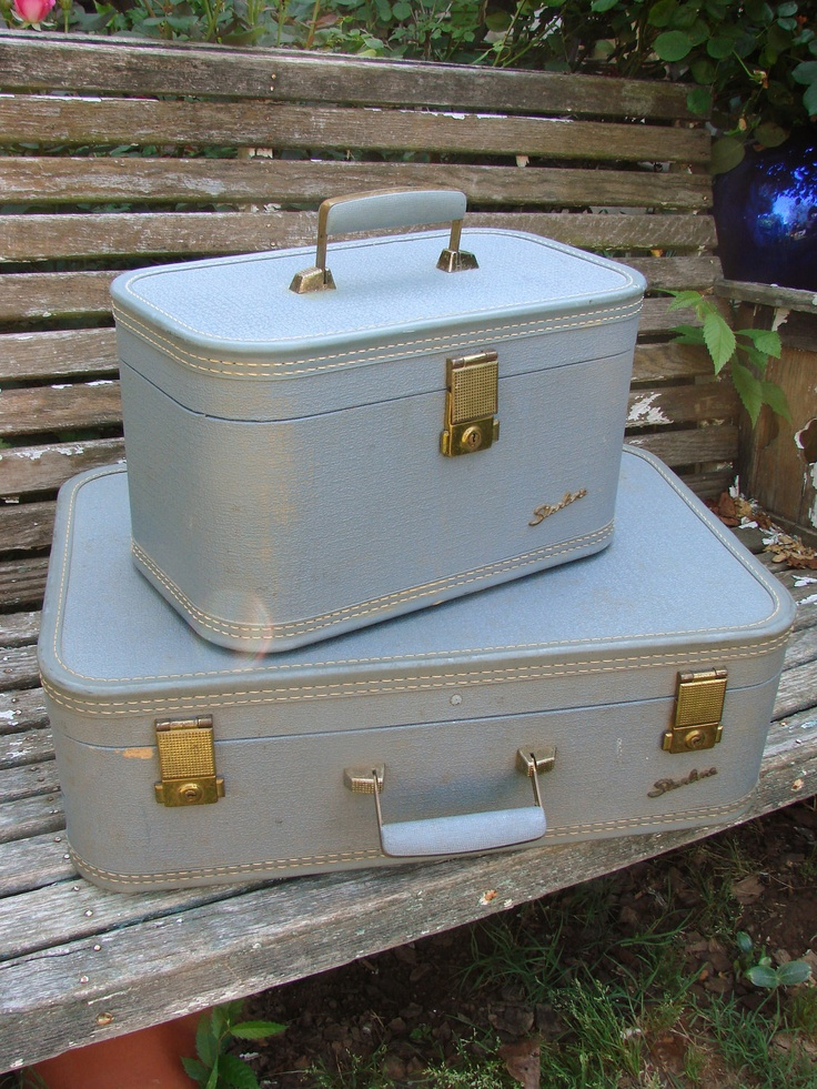 2 Pieces of Vintage 1950s Blue STARLINE Luggage Suitcase and Train Case $45