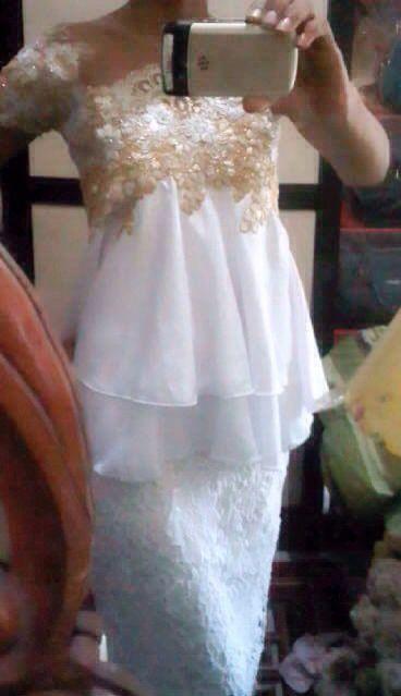 #white#dress#gold