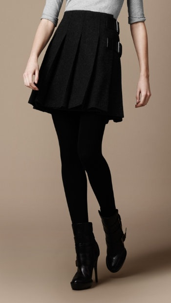 so cute!!!  Burberry.Black Leggings, Pleated Wool, Pleated Skirts Perfect, Colors Tights, Skirts Charcoal, Black Legs, Wool Skirts, Heels Oxfords, Fall Winter