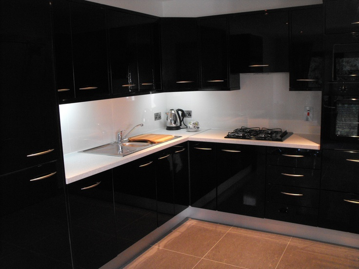 Black And White Gloss Kitchen Cabinets