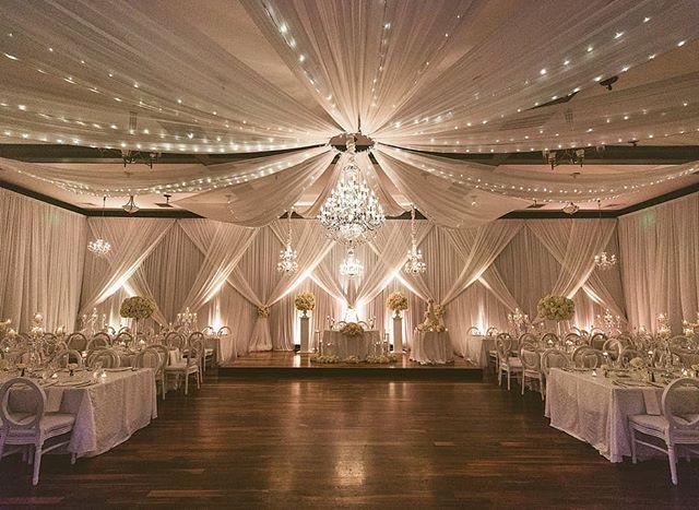 Crisp Lines Bright Natural Tones And Crystal Chandeliers Signaturechandeliers Wedding Chandeliers Weddingch Wedding Deco Table Decorations Chandelier