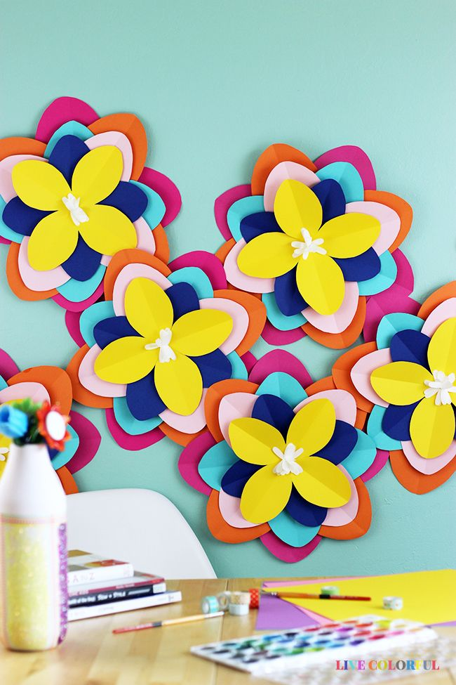 How to Make Giant Colorful Paper Flowers with @HobbyLobby #HobbyLobbyStyle #HobbyLobbyMade #ad