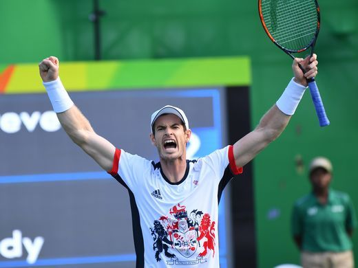 Andy Murray of Great Britain celebrates his win over