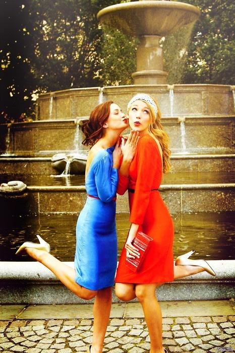every brunette has a blonde best friend. :)