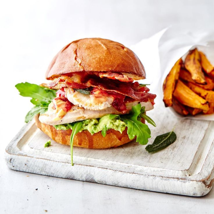 Because I'm sure it's national burger day somewhere in the world... Right! Recipe and styling by the lovely @eleanormaidment for @waitrose When are we doing this again??