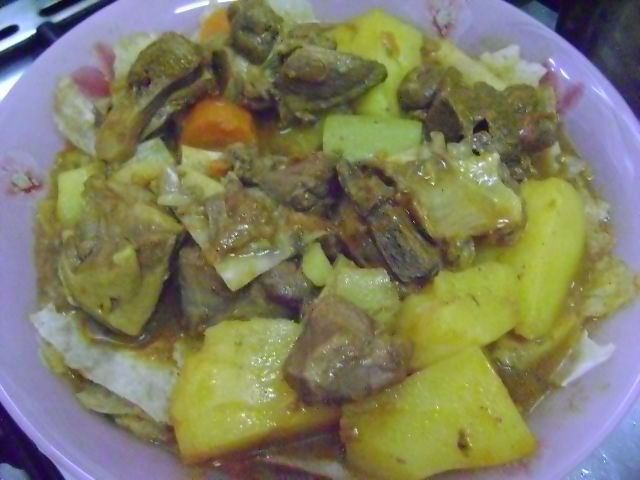 Thareed is another popular dish to make when a Muslim is fasting. It is very common to make Thareed for Iftar(breaking of the fast) during Ramadan because it is light on the stomach. It is bas…