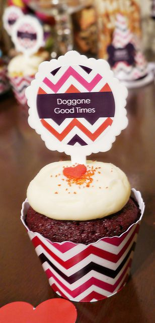 Chevron cupcakes at a Puppy Party! See more party ideas