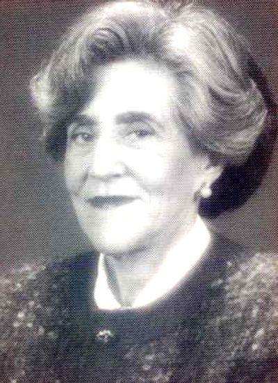 Carmina Virgili es una geóloga, gestora científica y política española,es doctora en Ciencias Naturales por la Universidad de Barcelona en 1956. Se especializó en sedimentología y estratigrafía del Triásico y del Pérmico.En 1963 obtuvo la Cátedra de Estratigrafía de la Universidad de Oviedo —fue la primera mujer catedrática de dicha universidad, y la tercera de España— y más tarde la de la Universidad Complutense de Madrid.