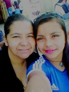 con mi mamasitha :3