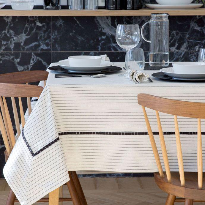 Nappe coton et lin rayures 170*250 - Zara Home 70€