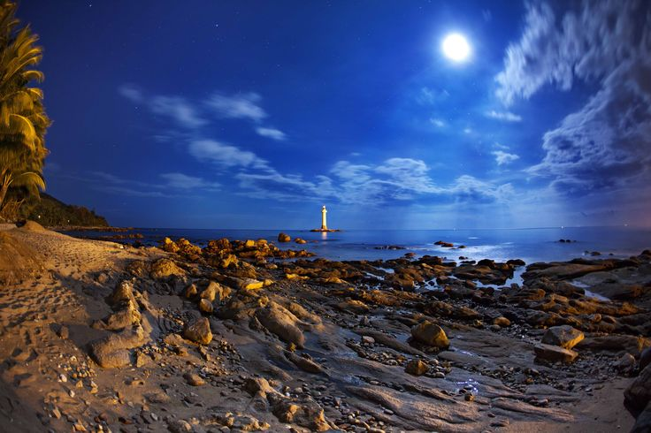 They say that only magic happens by the moonlight. We think that magic only happens in Sanya. Combine the two to have an epic holiday that you'll be talking about for years.