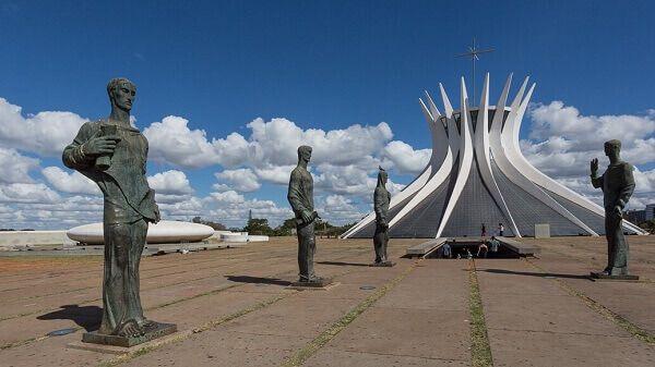 Catedral de Brasília: história + 4 curiosidades surpreendentes ...