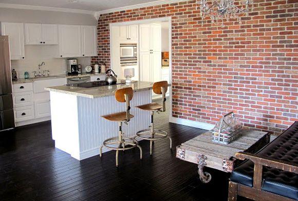 Que tal aproveitar o começo do ano para fazer um destaque de tijolos na parede da sua casa? Clique na imagem e aprenda!