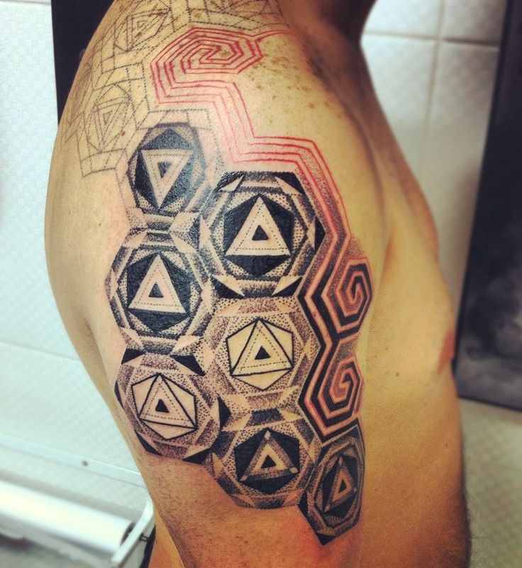 tattoo geometrico y puntillismo 10 handpicked ideas to discover in tattoos tattoo ink ink. Black Bedroom Furniture Sets. Home Design Ideas