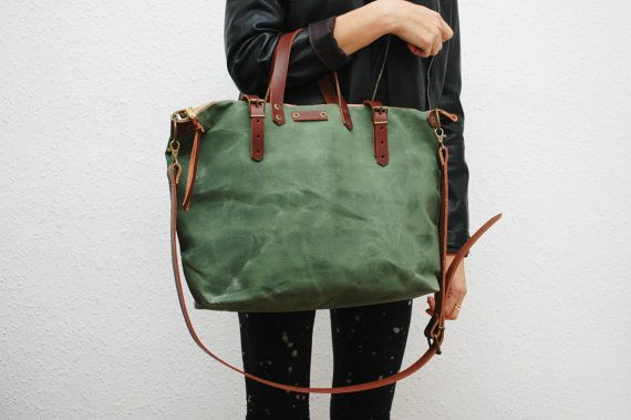 Shopper bag made ​​of waxed cotton canvas with natural waxes, Green army color ,leather handles and locks with gold-colored trimmings and old