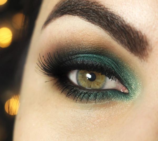 Dicas de maquiagem para olhos verdes. O segredo para realçar o olhar e conseguir uma maquiagem espetacular não é nada mais do que saber escolher os tons mais favorecedores para a nossa cor de olhos. Este artigo de umComo é dedicado especi...