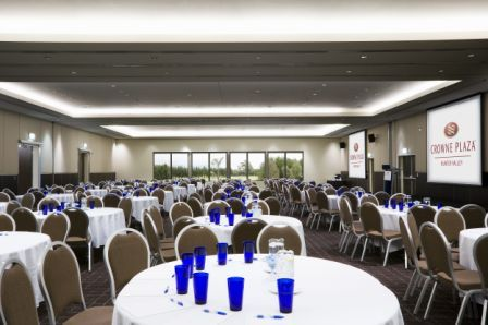 Our ballroom makes a perfect backdrop for your conferencing, an engaging setting developing focus with one full wall of windows looking out over the resort.