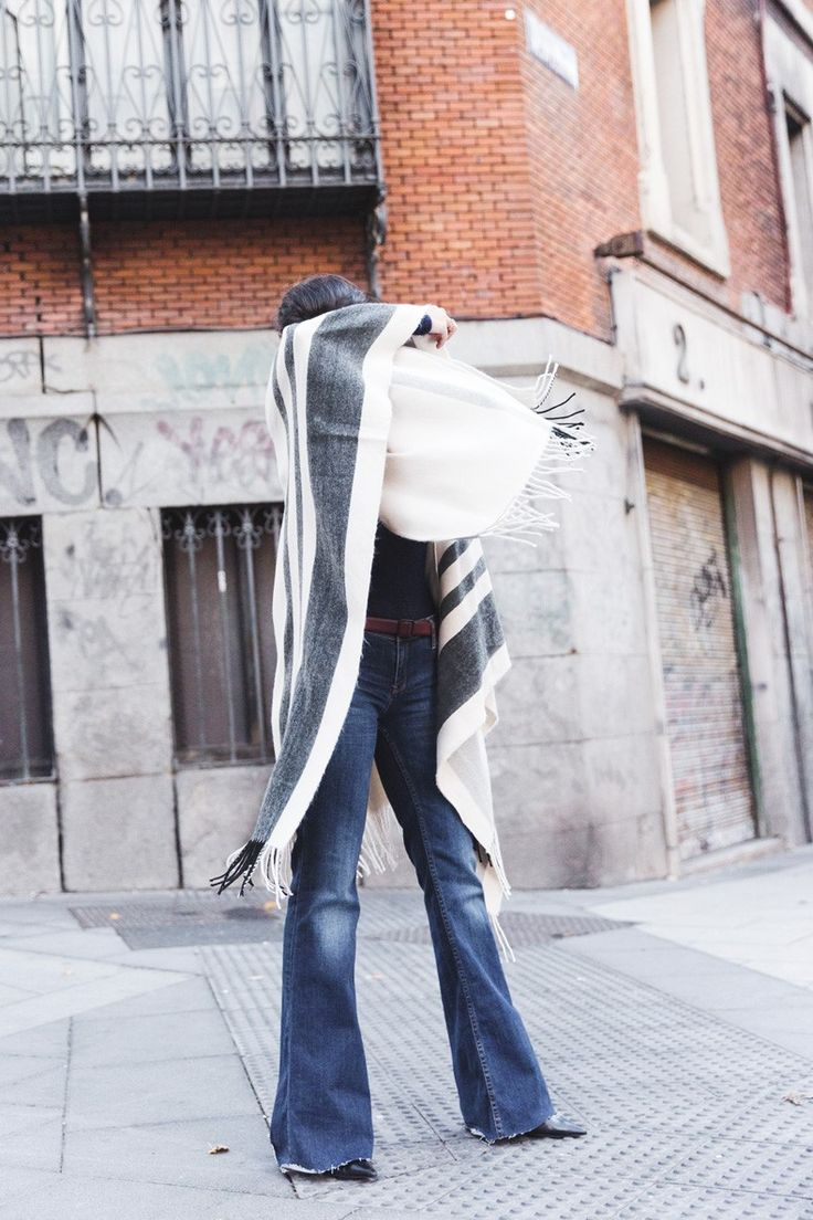 Stripe_Cape_Asos-Flare_Jeans-Outfit-Street_Style-38