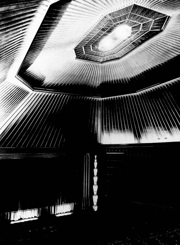Berlin | Vor 1933. Zuschauersaal Kino Capitol am Viktoria Louise Platz, heute Breitcheidplatz, 1929