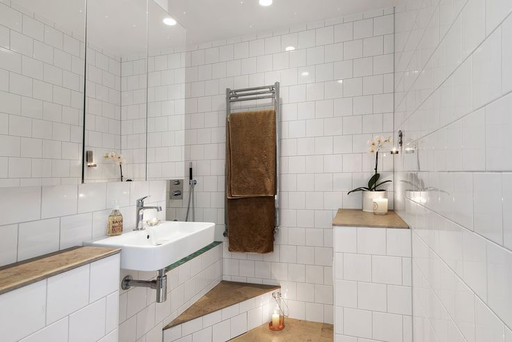 Bathroom with hidden bath