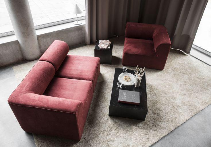 MENU SS18   Eave Sofa, black Low and Cubic Plinth