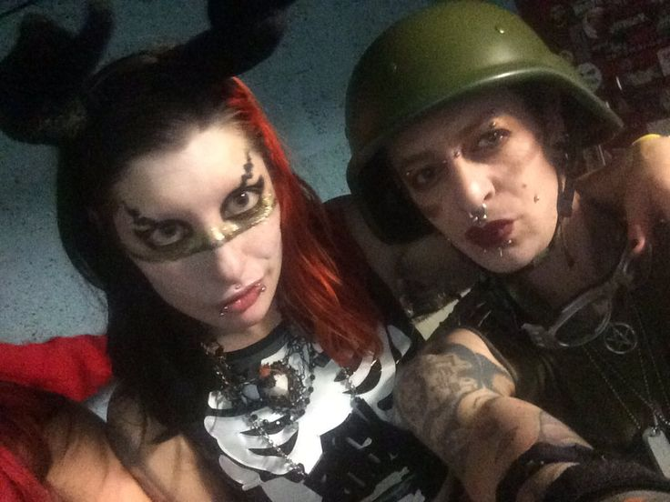 """Flame-boyant Ents on Twitter: """"Performers backstage @clubantichrist wiv @DaniDivineModel @Vicious_PA @blonde_goth. Great night  #PerformingWhores https://t.co/XMjti5OYZz"""""""