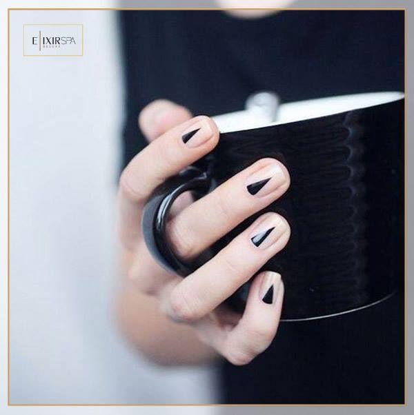 Elixir Spa Deluxe приглашает Вас на полный комплекс СПА-процедур для Ваших рук и ног: СПА-уходы, классический маникюр и педикюр, а также разные типы покрытия, наращивания и коррекции формы ногтей с использованием профессиональной и сертифицированной косметики. Узнавайте больше: +38(044)3213270, +38(067)5019724 ww.elixirspadeluxe.com