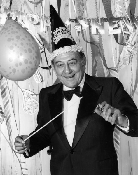 Why We Sing Auld Lang Syne on New Year's Eve - Neatorama