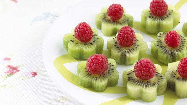 Kiwi and Raspberry Flowers - Fairy & Pirate Treats #recipes #fairy #fruit