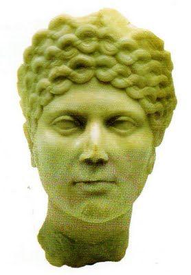 Cabeça de uma mulher, talvez de uma domina, Séc. II [encontrada no sítio de Milreu, junto a Estoi] Museu Nacional de Arqueologia, Lisboa