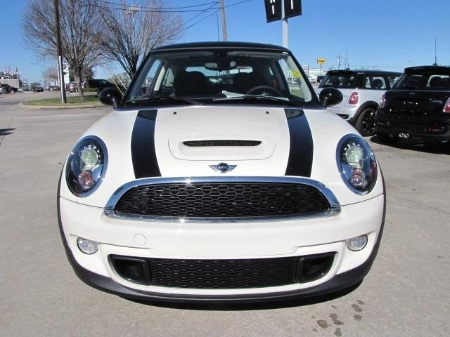 2013 pepper white mini cooper s hardtop my past and. Black Bedroom Furniture Sets. Home Design Ideas