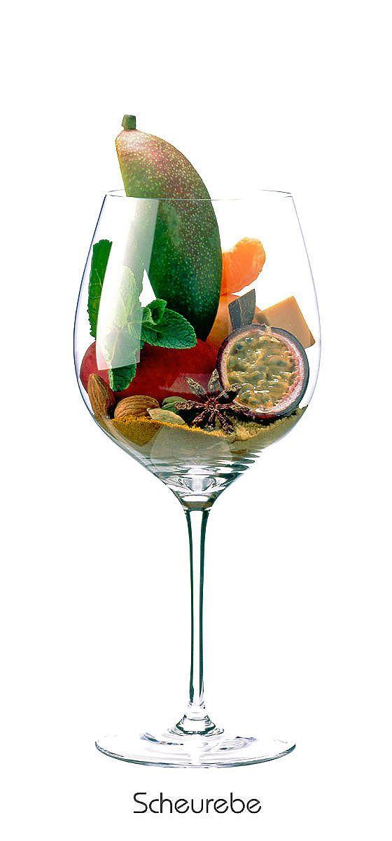 SCHEUREBE  Mandarin, almond, apricot, peach, mango, passion fruit, mint, mustard, cardamom, curry, caramel, star anise, bay leaf