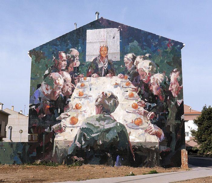 El fabuloso street art del español Borondo.   #streetart #arteurbano #borondo