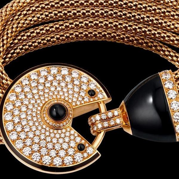 Cartier Amulette de Cartier armband DeLuxe   LXRY LIVING   Gifts for her #cartier #jewelry #gifts