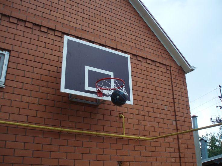 Баскетбольный щит своими руками и ногами…
