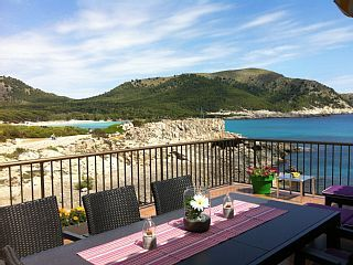 Exclusive holiday home directly at the beach