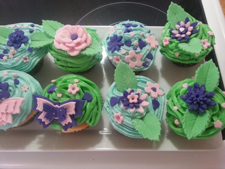 Flower and butterfly cupcakes!